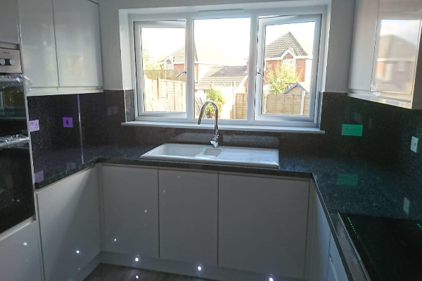 Larissa Handleless Sink and Plinth Lighting